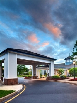 Crestwood Manor - A Springpoint Senior Living Community